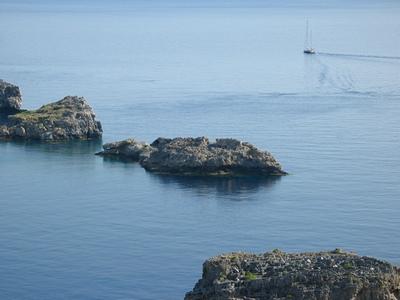 Вид на бухту Линдоса с высоты Акрополя