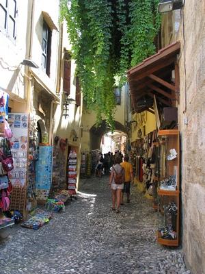 Торговля на улочках Родоса